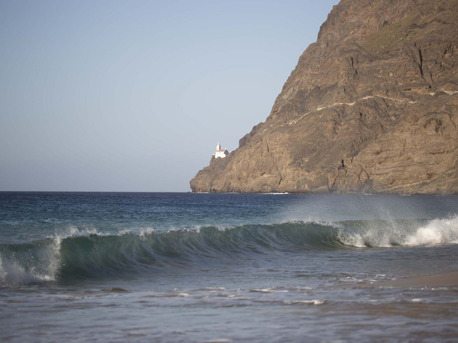 Sao Pedro Bay wave
